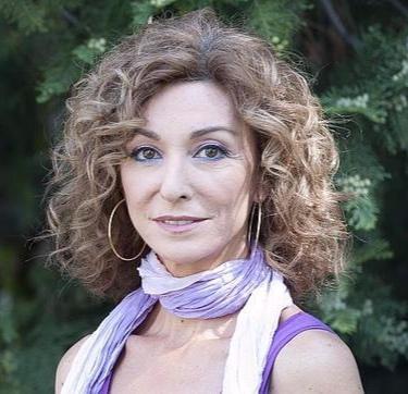 Yolanda Flores- Presentadora